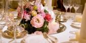 結婚式の華やかなテーブル